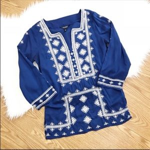 Lucky Brand Blue Embroidered Tunic Style Top S D11